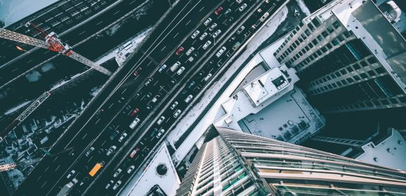 Fordele og ulemper ved bil og offentlig transport